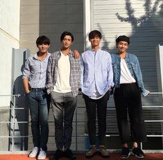 Taehyung looks so tall around the other members but so small with the Hwarang cast Hwarang The Beginning, Taehyung Hwarang, Asian Actors, Korean Actors, Korean Dramas, Witch's Romance, Kim Bok Joo, Two Worlds, 17 Kpop