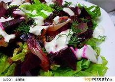 Salat z pecene cervene repy a cibule recept - TopRecepty.cz