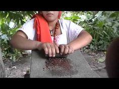 Elaboración Chocolate Tradicional Maya - YouTube