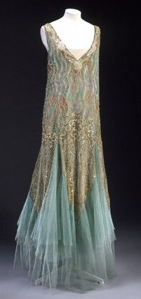 Aquamarine and gold chiffon dress with irridescent sequins. Art Deco. House of Worth. 1928.