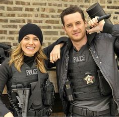 Lindsay & Halstead, I love them ridiculously! #Linstead #ChicagoPD