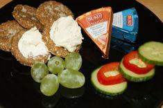 Ritz kjeks på lavkarbovis (Lavkarbo på min måte) Diabetes, Ss, Dairy, Cheese, Food, Blogging, Essen, Meals, Yemek