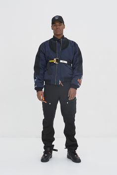 See the complete Heron Preston Fall 2017 Menswear collection. Vogue Paris, Teen Fashion, Fashion Show, Paris Fashion, Latest Fashion, Trendy Outfits For Teens, Teen Outfits, Interview, Aktiv
