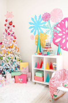 This is an Evite® paid post. All styling, photography, and opinions are my own. Thank you for supporting the brands that keep the DIY ... Vintage Colors, Christmas Colors, Rainbow Colors, Vintage Christmas, Bookcase, Vintage White Christmas, Rainbow Colours, Shelves, Bookcases
