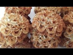 Cooking with Nana: Kanom DokBua (ເຂົ້າໜົມດອກບົວ == Lotus Flower Cookies) Lotus Cookies, Rosette Cookies, Flower Cookies, Thai Cooking, Asian Cooking, Asian Desserts, Asian Recipes, Beignets, Mini Caramel Apples