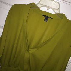 Dressy green mid sleeves crop top 100% polyester Forever 21 Tops Crop Tops