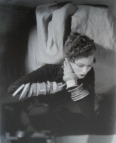 Nancy Cunard - 1926 photo Man Ray