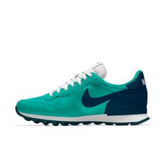 Nike Internationalist iD Zapatillas - Mujer Sneakers Mode, Sneakers Fashion, Fashion Shoes, Mens Fashion, Nike Internationalist, Nike Tennisschuhe, Nike Men, Nike Tennis Shoes, Nike Free Shoes