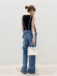 Denim Fashion, Fashion Pants, Love Fashion, Fashion Outfits, Womens Fashion, Denim Jacket With Dress, Lady, Spring Summer Fashion, Mom Jeans