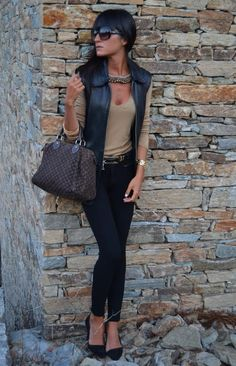 El Blog de Chuchus  I have a black leather vest, need a cute way to wear it! I like this.