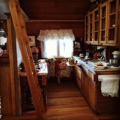 My miniature cabin kitchen ❤️