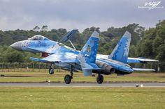 https://flic.kr/p/WLzSHy | Sukhoi Su-27P Flanker 58 BLUE - Ukrainian Air Force - RIAT 2017 | 831st Tactical Aviation Brigade Su-27P landing after a display at RIAT 2017, RAF Fairford.