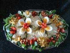 Koude schotel Lunch Box Recipes, Snack Recipes, Fruits Decoration, Dutch Kitchen, Charcuterie Platter, Good Food, Yummy Food, Food Garnishes, Dutch Recipes