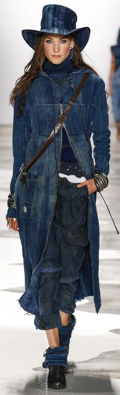 Greg Lauren Spring 2016 Love the hat! Fashion 2017, Love Fashion, Fashion Design, Fashion Trends, Love Jeans, Jeans Style, Elisa Cavaletti, Denim Coat, Lauren