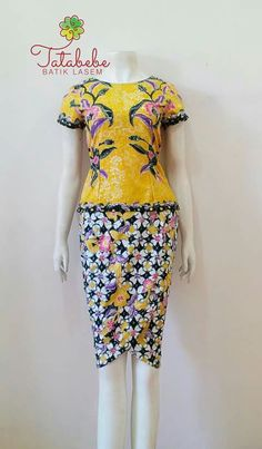 Blouse Batik, Batik Dress, Batik Kebaya, Batik Fashion, Brokat, Java, Trendy Outfits, Beautiful Pictures, Bodycon Dress
