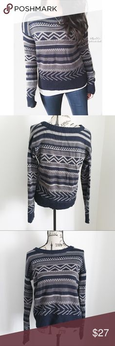 """BB Dakota Vintage Print Sweater ✦   ✦{I am not a professional photographer, actual color of item may vary ➾slightly from pics}  ❥chest:21"""" ❥waist:20.5"""" ❥length:23"""" ❥sleeves:29"""" (collar-cuff) ➳material/care:70%acrylic 30%wool/hand wash  ➳fit:closer to a typical medium  ➳condition:some light fuzzies on the knit   ✦20% off bundles of 3/more items ✦No Trades  ✦NO HOLDS ✦No transactions outside Poshmark  ✦No lowball offers/sales are final BB Dakota Sweaters Crew & Scoop Necks"""