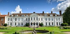 Thinking about booking Gosfield Hall for your wedding venue? Read our independant, unbiased guide before making a decision. Wedding Reception Food, Best Wedding Venues, Wedding Night, Wedding Shit, Civil Ceremony, Outdoor Ceremony, Gosfield Hall, Country Home Exteriors, Park Landscape