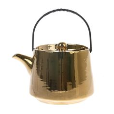 A handmade tea pot in the colour gold from the Bold & basic ceramics serie. Dishwasher and microwave proof. Basic Shapes, Hand Shapes, Golden Tea, Kitchenware, Tableware, Ceramic Design, Ceramic Plates, Safe Food, Dishwasher