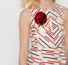 Купить Войлочная красная брошь - ярко-красный, красный цвет, красное украшение, Красный цветок