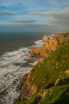 TripTemptation Visited The Edge Of The World: Cabo da Roca - via TripTemptation 12.03.2015 | Less than an hour from Lisbon there is a famous place: Cabo da Roca.... or the most westerly point in Europe. People who lived here (right up to the 14th century) believed it was the edge of the world. We could not miss it, and it turned out to be absolutely worth visiting. Photo: Massive cliffs, Sintra - Portugal