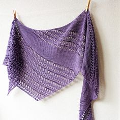 Ravelry: Reversa pattern by Lisa Hannes