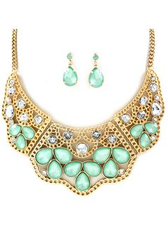 Maggie Teardrop Necklace in Crystal Mint