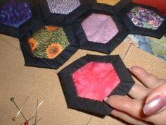 jardin de grand'mère express Hexagon Quilt, Hexagon Shape, English Paper Piecing, Quilts, Orange, Art, Dressmaking, Cars, Hexagons