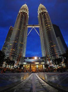Kuala Lumpur - Petronas by lux69aeterna.deviantart.com on @deviantART