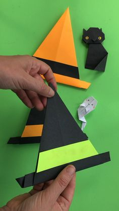Easy Witch Hat Origami for Halloween - Red Ted Art Super cute and easy Paper Witch Hat craft for kids. Practice those fine motor skills with this easy Origami Halloween, Halloween Gif, Halloween Stickers, Paper Halloween, Art Origami, Origami Star Box, Origami Love, Origami Design, Halloween