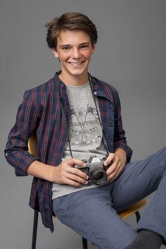 Street Style!!! #gocco #goccojunior #fashion #moda #accessories #teen #teenagers #boys #trendy #lovely #awesome #top #fall #winter #ootd www.gocco.com