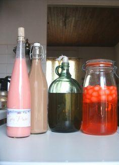 Milk liqueur, rum and tagada strawberries, Triple Sec, Cocktail Drinks, Cocktails, Rum, Strawberry Milk, Gourmet Gifts, Homemade Ice Cream, Kefir, Diy Food