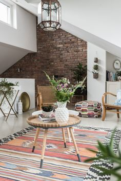 Dekoideen Für Das Wohnzimmer Im Boho Vintage Look Mit Kelim Kissen Und  Teppichen, Pflanzen Und