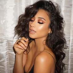 I love Shay's makeup looks! This bronze makeup look is perfect. See this Instagram photo by @shaym