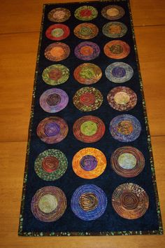 Modern Table Runner  Batik Table Runner  Quilted par LyndiArt, $65.00