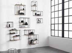 Minimalistic and modular wire shelf by Korridor. Comes in different sizes perfect for both small spaces as well as big open retail or office rooms. Modular Bookshelves, Modular Shelving, Bookcases, Shelving Solutions, Shelving Systems, Shelving Design, Shelf Design, Interior Styling, Interior Decorating