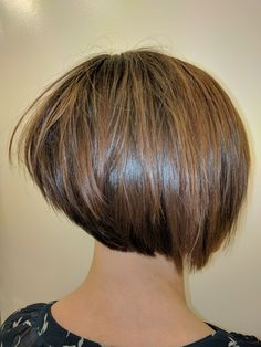 Growing pains axed with the aid of an adorable graduated Bob Done by @hairbyyycbre