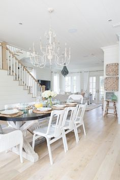 Let's end summer with a bang with today's Eclectic Home Tour of Sugar Palm House. This stunning beach house has tons of beautiful decorating ideas. Part of my Eclectic Home Tour series - you can Beach Cottage Style, Beach House Decor, Home Decor, Dream Beach Houses, Coastal Decor, Coastal Style, Coastal Cottage, Coastal Living, Coastal Homes