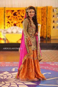 Mendhi outfit Asian Bridal Dresses, Bridal Mehndi Dresses, Asian Wedding Dress, Mehendi Outfits, Pakistani Wedding Outfits, Bridal Outfits, Indian Dresses, Pakistani Mehndi Dress, Pakistani Wedding Dresses