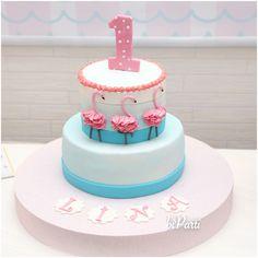 Flamingo cake. Flamingo cakes. Flamingo party ideas. Flamingo party. First birthday cake.