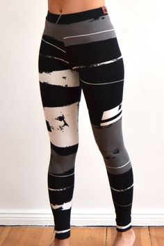 Leggins with graphic pattern black gray white by VibeLich on Etsy, €35.00