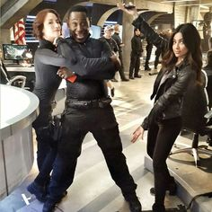 Cast of Supergirl Kara Danvers Supergirl, Supergirl 2015, Supergirl And Flash, The Cw, Dc Comics Tv Shows, Superman, Alex And Maggie, David Harewood, Chyler Leigh