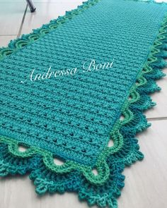 Immediately try this Easy DIY Holiday Crafts! Manta Crochet, Crochet Granny, Baby Blanket Crochet, Crochet Baby, Crochet Carpet, Crochet Home, Easy Crochet, Knit Rug, Crochet Winter
