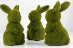 Ready to hop into my Easter Tablescape! {Moss Bunnies}