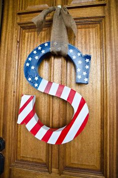 We Three Smiths: 4th of July Monogram Wreath tutorial. Do a different painting for different seasons and switch them out!
