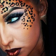 Check out these DIY Halloween Makeup Looks that will inspire you to get creative with dressing up this Halloween. These are the perfect Halloween Costumes. Cheetah Makeup, Animal Makeup, Halloween Makeup Looks, Diy Halloween, Leopard Halloween Makeup, Leopard Costume, Animal Halloween Costumes, Creative Makeup, Diy Makeup