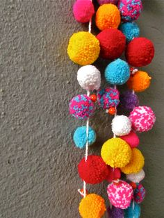 Colored Pom Pom ll Garland