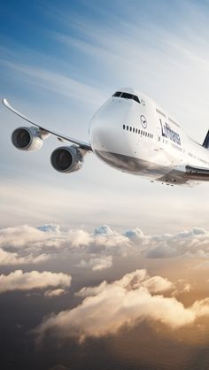 Lufthansa 747-8 travel & #save on tickets with #AirConcierge.com