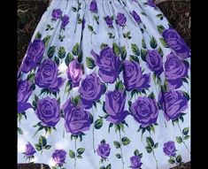 What a great find! Massive purple roses on a white back ground, how striking is this lovely, she sold now! But had to share her Rockabilly Outfits, Rockabilly Clothing, Rose Clothing, Border Print, Novelty Print, Rose Dress, Purple Roses, Vintage Roses, Printed Skirts
