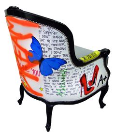 jimmie martin fabrics are the best! Painted Chairs, Hand Painted Furniture, Funky Furniture, Upholstered Furniture, Furniture Makeover, Furniture Design, Chair Makeover, Graffiti Furniture, Deco Originale