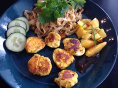 Pikeballs thai style with fried nudels Thai Style, Kitchen, Cooking, Thai Decor, Kitchens, Cuisine, Cucina